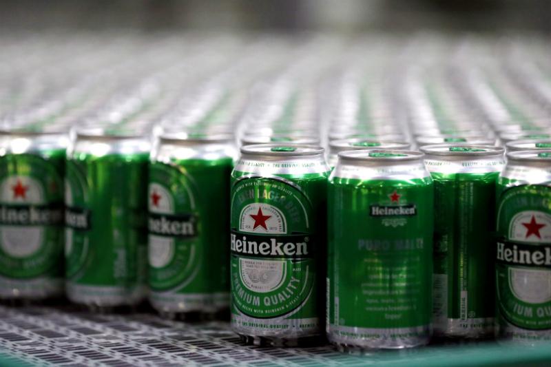 Heineken creará mobiliario sustentable con vasos de cerveza. Noticias en tiempo real