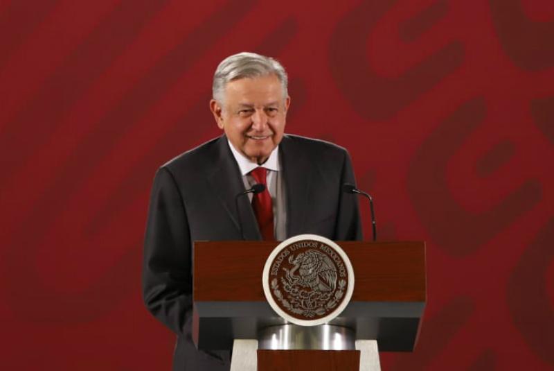 Amparos contra Santa Lucía no afectan; responden a interés políticos: AMLO