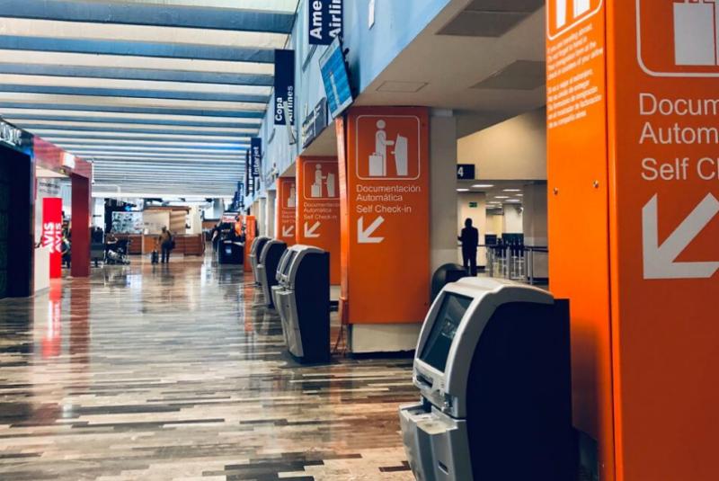Por mal clima, registran retrasos y desvíos en vuelos del Aeropuerto de Monterrey. Noticias en tiempo real