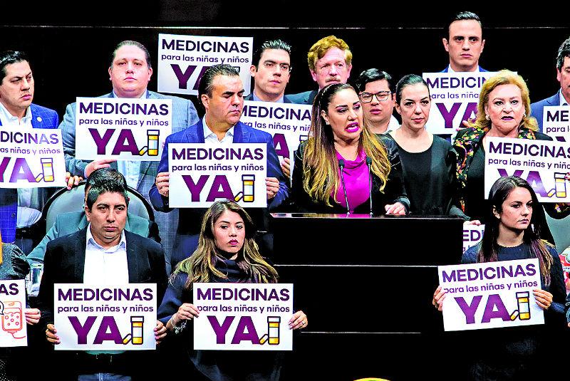 Reclaman desde tribuna por falta de medicinas. Noticias en tiempo real