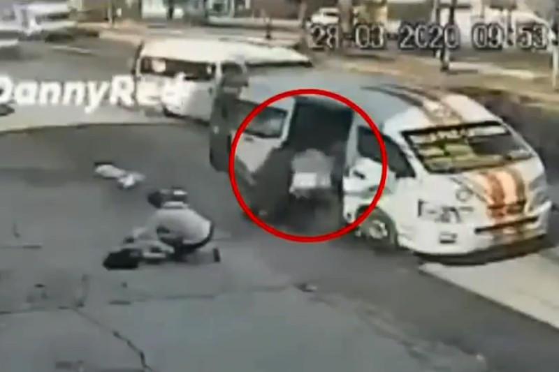 Dan de alta a mujer que saltó de combi para evitar asalto en Chicoloapan (+video). Noticias en tiempo real