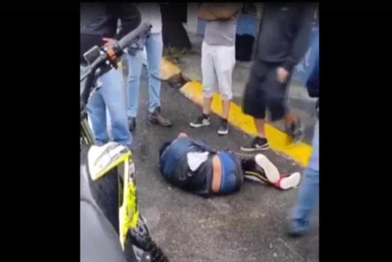Vecinos de Cuautitlán Izcalli golpean a ladrón hasta hacerlo llorar (+video). Noticias en tiempo real