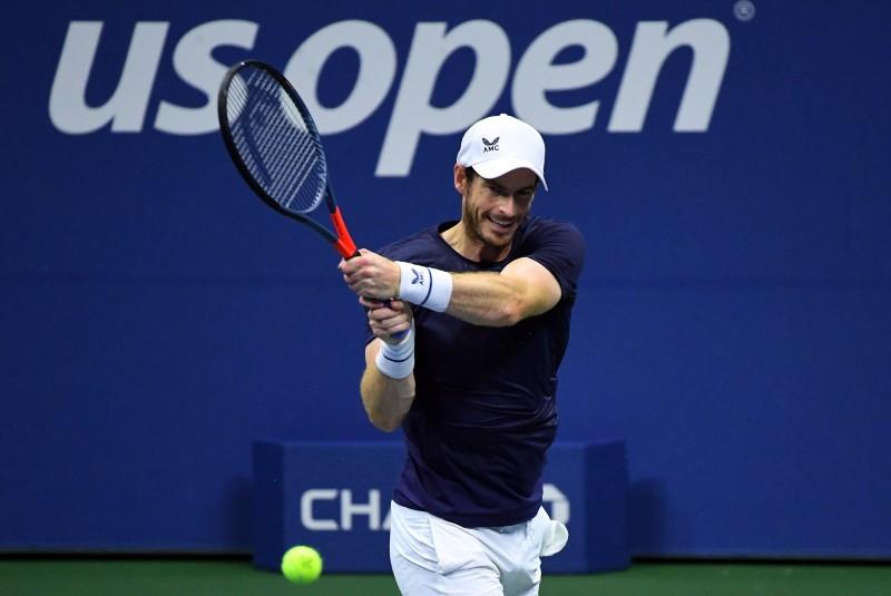 Murray se enfrenta a batalla brutal contra su antiguo rival Wawrinka en París. Noticias en tiempo real