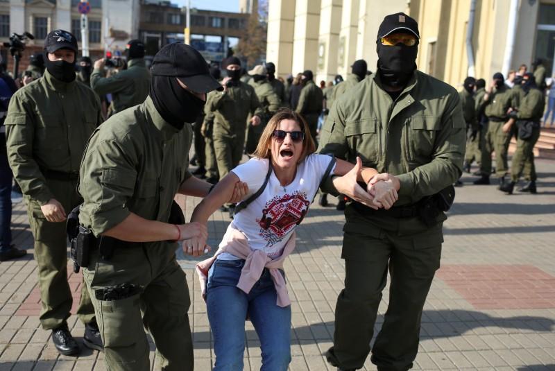 Policía bielorrusa detiene a decenas de personas en manifestación contra Lukashenko. Noticias en tiempo real