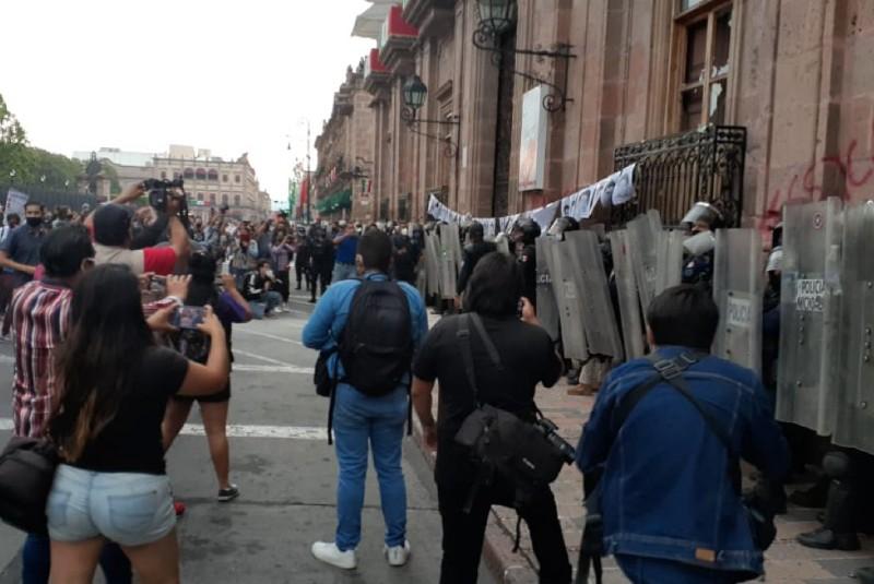 Encapuchadas exigen la detención del presunto asesino de Jessica González. Noticias en tiempo real