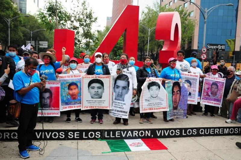 Dictan auto de formal prisión a involucrado en caso Ayotzinapa. Noticias en tiempo real