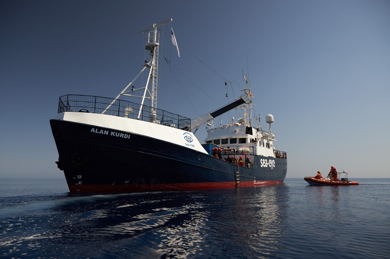 """Barco alemán """"Alan Kurdi"""" recoge 133 migrantes en el Mediterráneo. Noticias en tiempo real"""