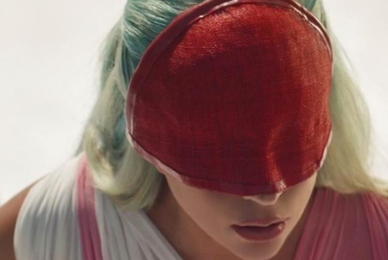 """Lady Gaga sorprende con el lanzamiento de """"911"""" (+video). Noticias en tiempo real"""
