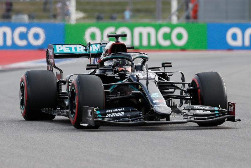 """Hamilton logra la """"pole"""" en Rusia y buscará récord de victorias de Schumacher. Noticias en tiempo real"""
