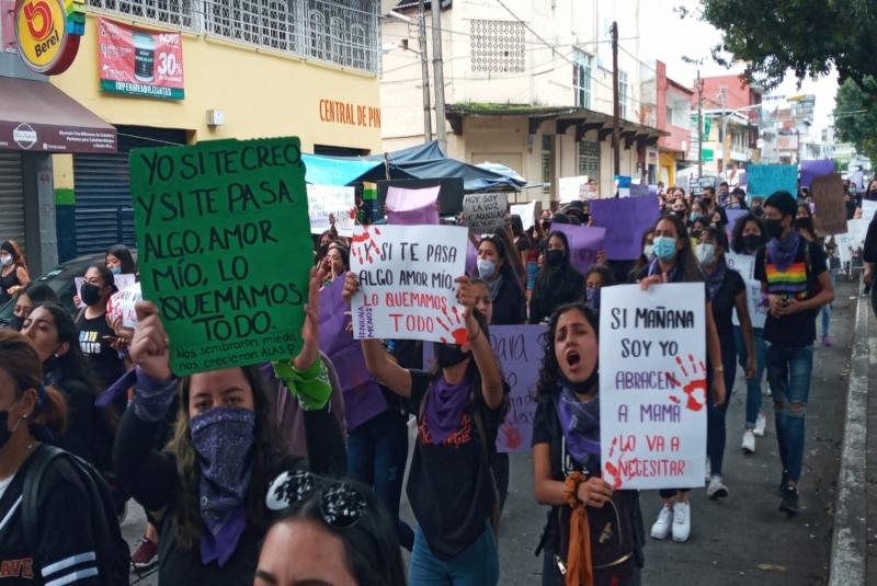 Nuevos feminicidios detonan protestas de miles en el país. Noticias en tiempo real