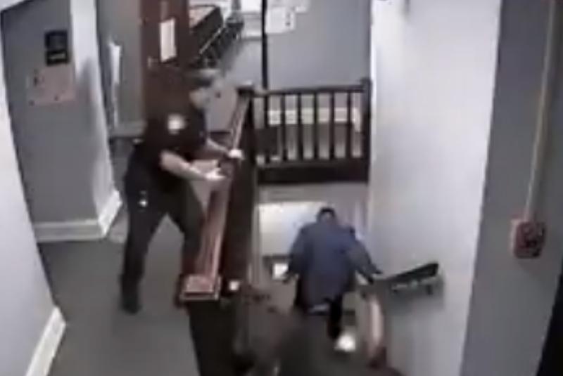 Delincuente escapa de sus custodios en plena corte (+video). Noticias en tiempo real