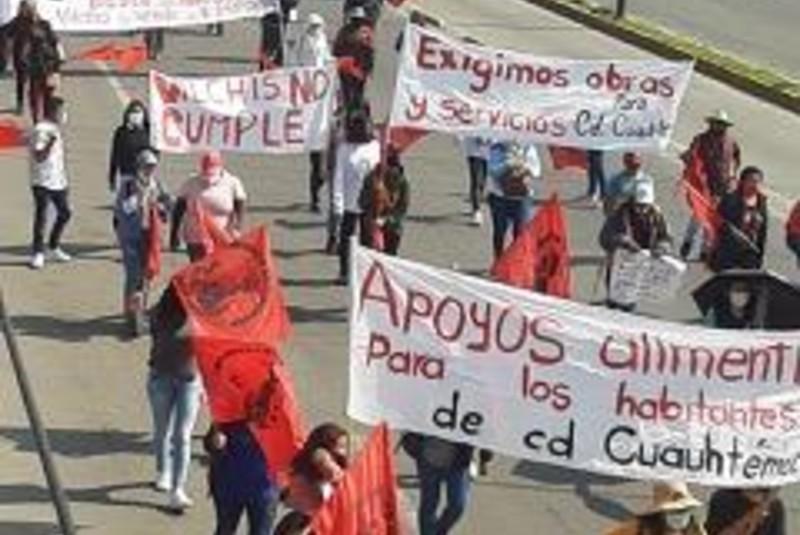 Familias marginadas exigen servicios frente al Palacio de Ecatepec. Noticias en tiempo real
