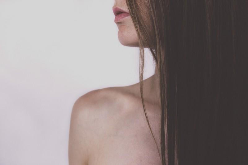Mujer muerde a su pareja por negarle un beso y le arranca tres centímetros de labio; la detienen. Noticias en tiempo real