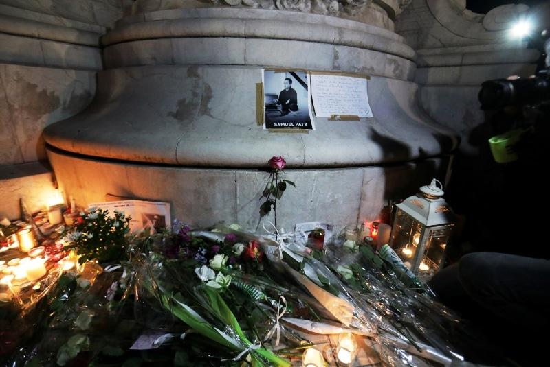 Alumnos reciben dinero del terrorista que decapitó a profesor en Francia. Noticias en tiempo real