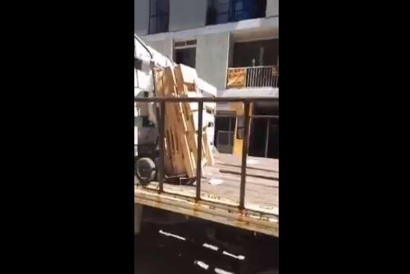 Inspectores decomisan mercancía a abuelito de 85 años (+video). Noticias en tiempo real