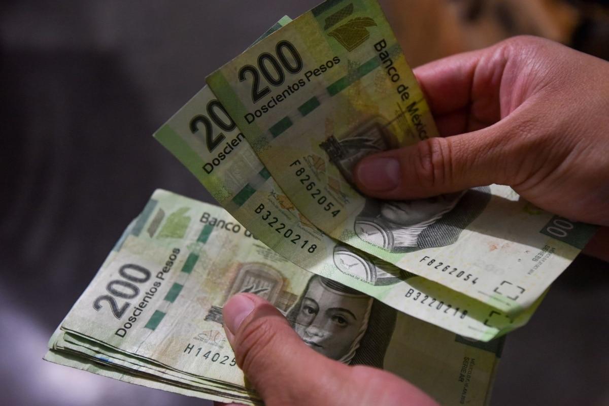 Querían retirar 600 mil millones de pesos…fueron detenidos por presentar documentos falsos
