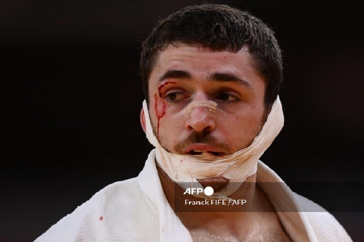 Judoca español sufre graves heridas en el rostro durante su primer combate en Tokio 2020