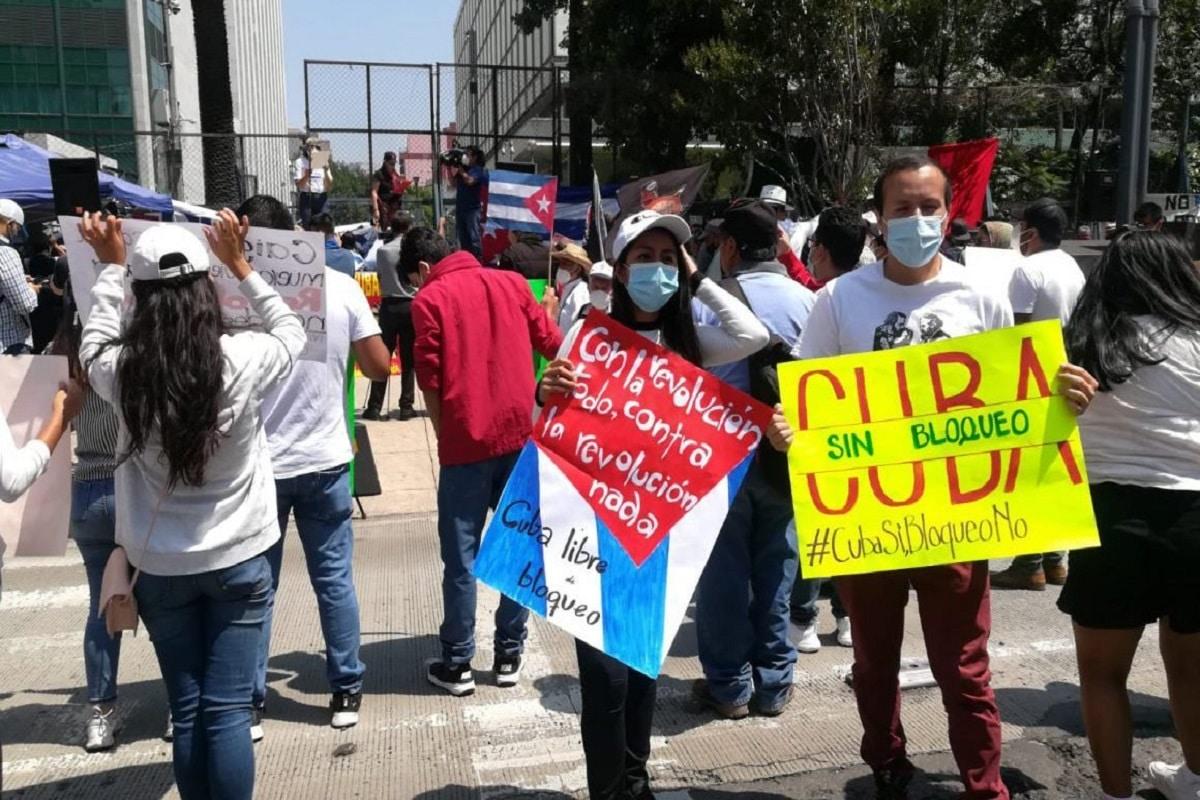 Cubanos en México exigen a Estados Unidos cese al bloqueo