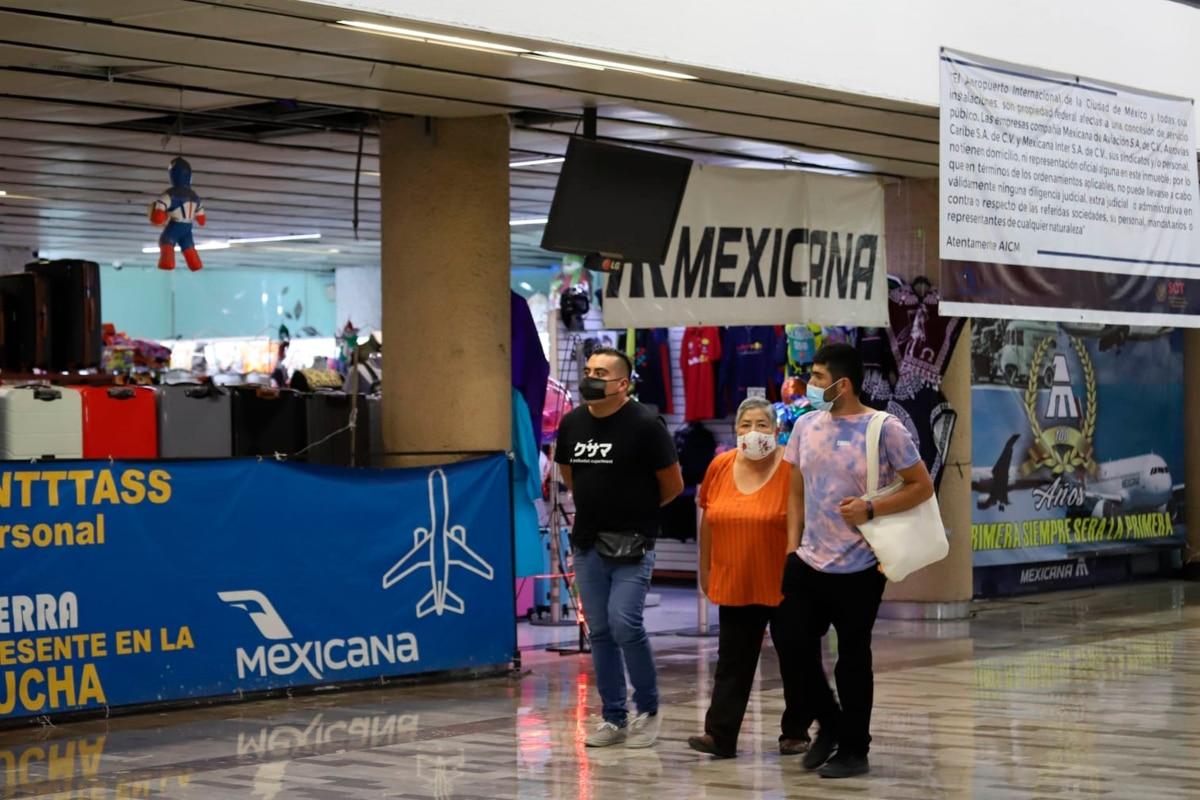 Divide a trabajadores plan del Gobierno para crear aerolínea