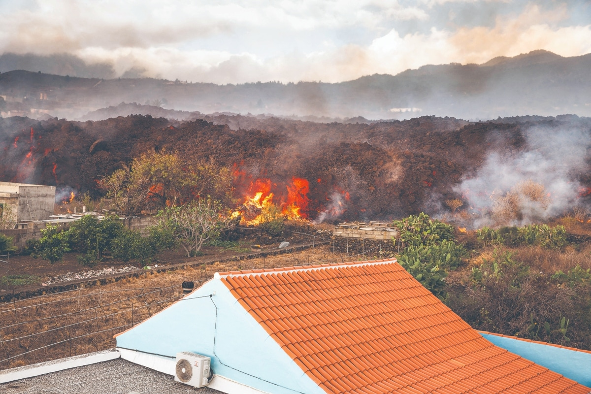 Magma no se detiene; evacuan a más de 6 mil. Noticias en tiempo real