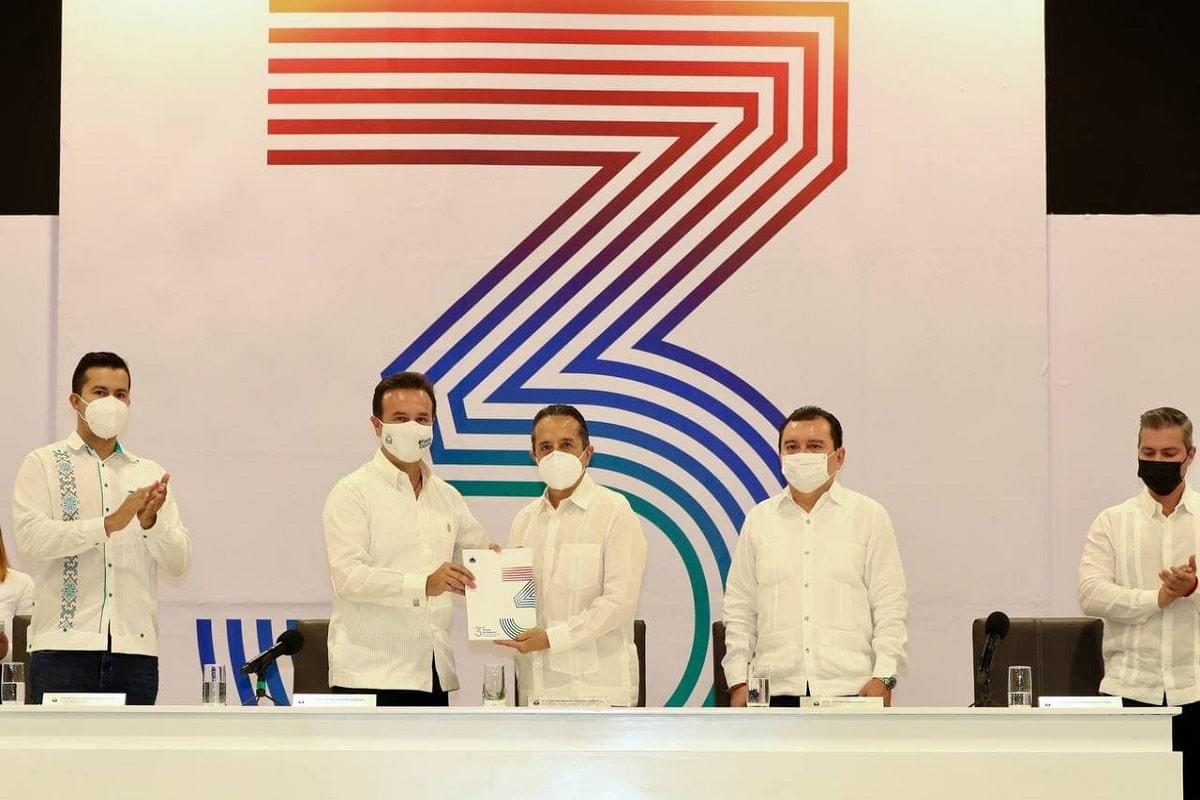 Asiste Carlos Joaquín al Tercer Informe de Cozumel. Noticias en tiempo real