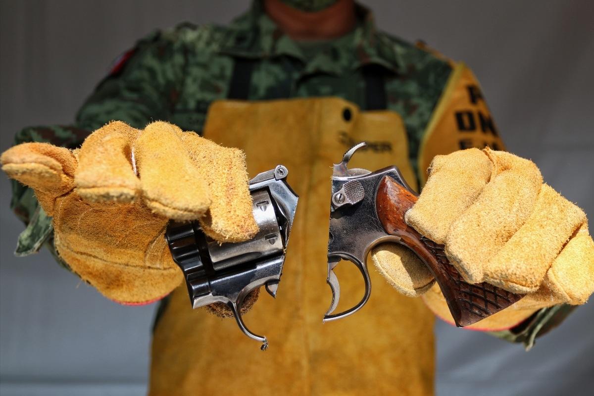 Retira programa de desarme casi 6 mil armas y un millón de balas. Noticias en tiempo real