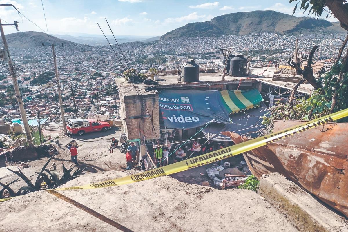 Sismo detonó deslave en el hogar de los Fernandez. Noticias en tiempo real