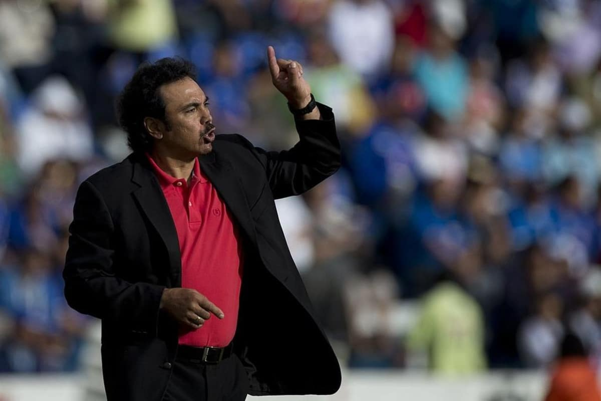 Hugo Sánchez se ofrece a las Chivas como director técnico. Noticias en tiempo real