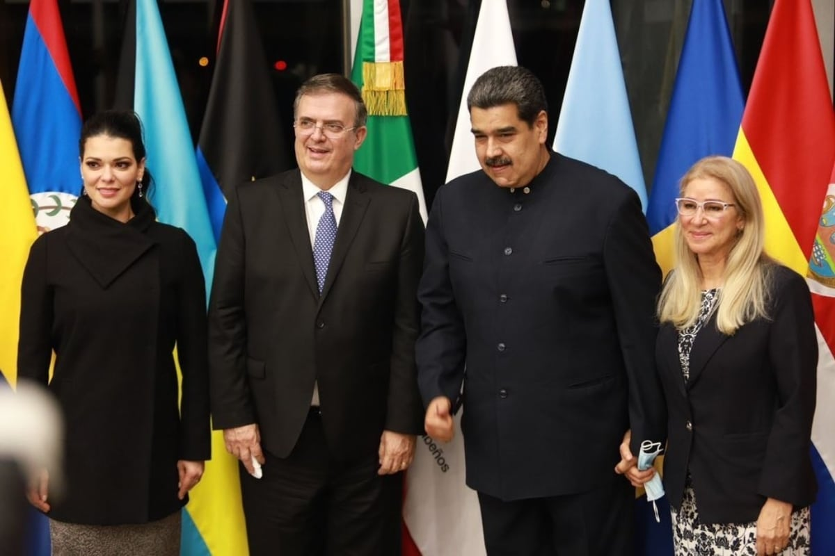 Critican cercanía del Presidente con gobiernos autoritarios. Noticias en tiempo real