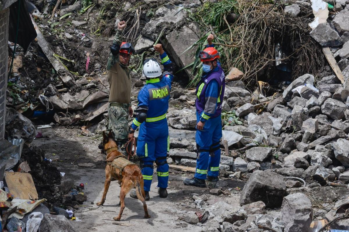 Suspenden labores de rescate en Cerro del Chiquihuite por olor a gas. Noticias en tiempo real